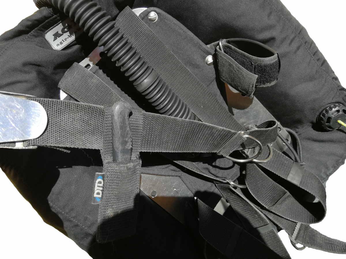configurazione hogarthiana coltello ventrale